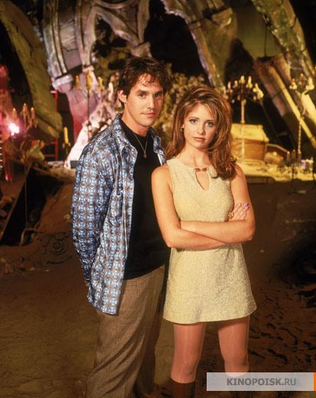http://st.kinopoisk.ru/im/kadr/1/0/1/kinopoisk.ru-Buffy-the-Vampire-Slayer-1014125.jpg