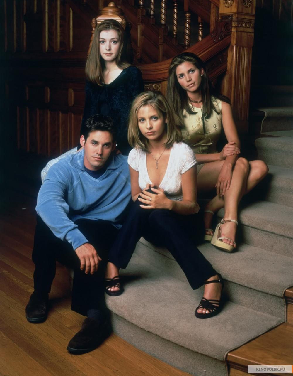 http://st.kinopoisk.ru/im/kadr/1/0/1/kinopoisk.ru-Buffy-the-Vampire-Slayer-1016541.jpg