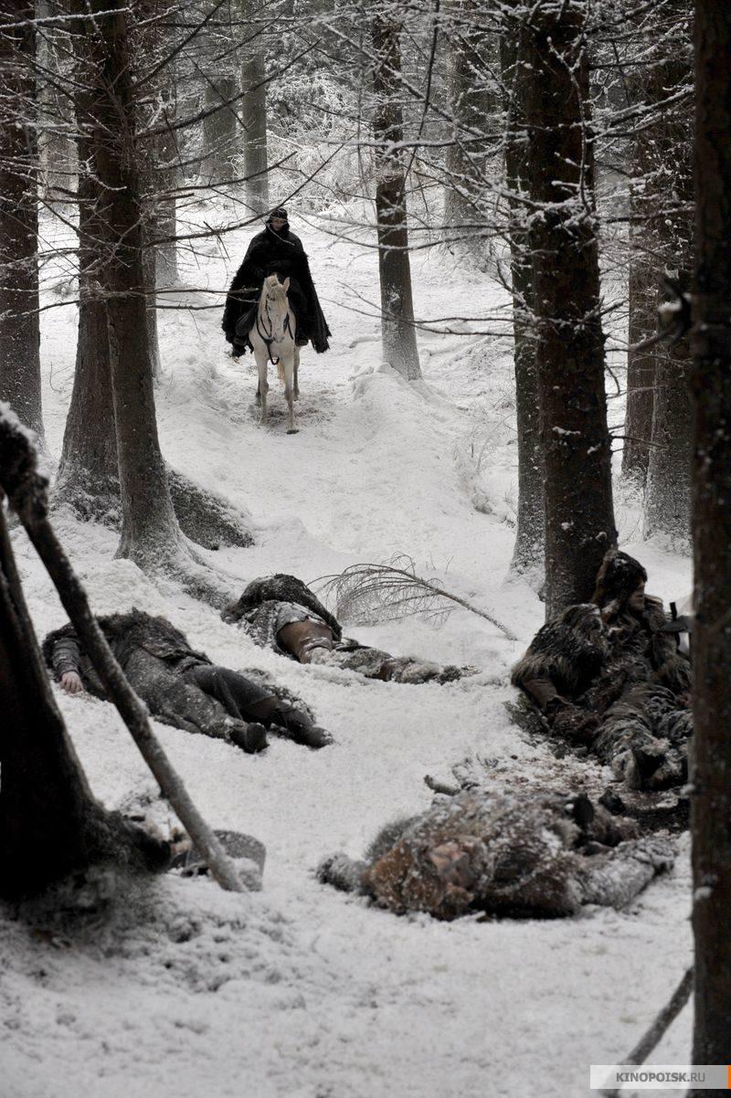 http://st.kinopoisk.ru/im/kadr/1/2/1/kinopoisk.ru-Game-of-Thrones-1215201.jpg