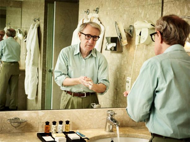 http://st.kinopoisk.ru/im/kadr/1/2/9/kinopoisk.ru-Woody-Allen-1298106.jpg