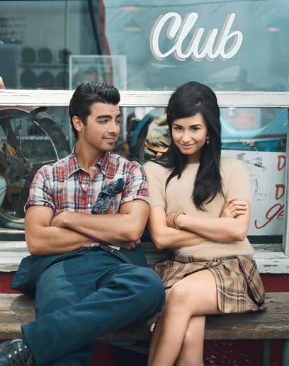 http://st.kinopoisk.ru/im/kadr/1/3/1/kinopoisk.ru-Demi-Lovato-1315799.jpg