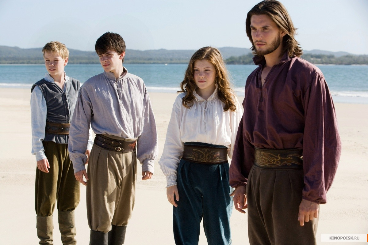http://st.kinopoisk.ru/im/kadr/1/3/8/kinopoisk.ru-Chronicles-of-Narnia_3A-The-Voyage-of-the-Dawn-Treader_2C-The-1388036.jpg