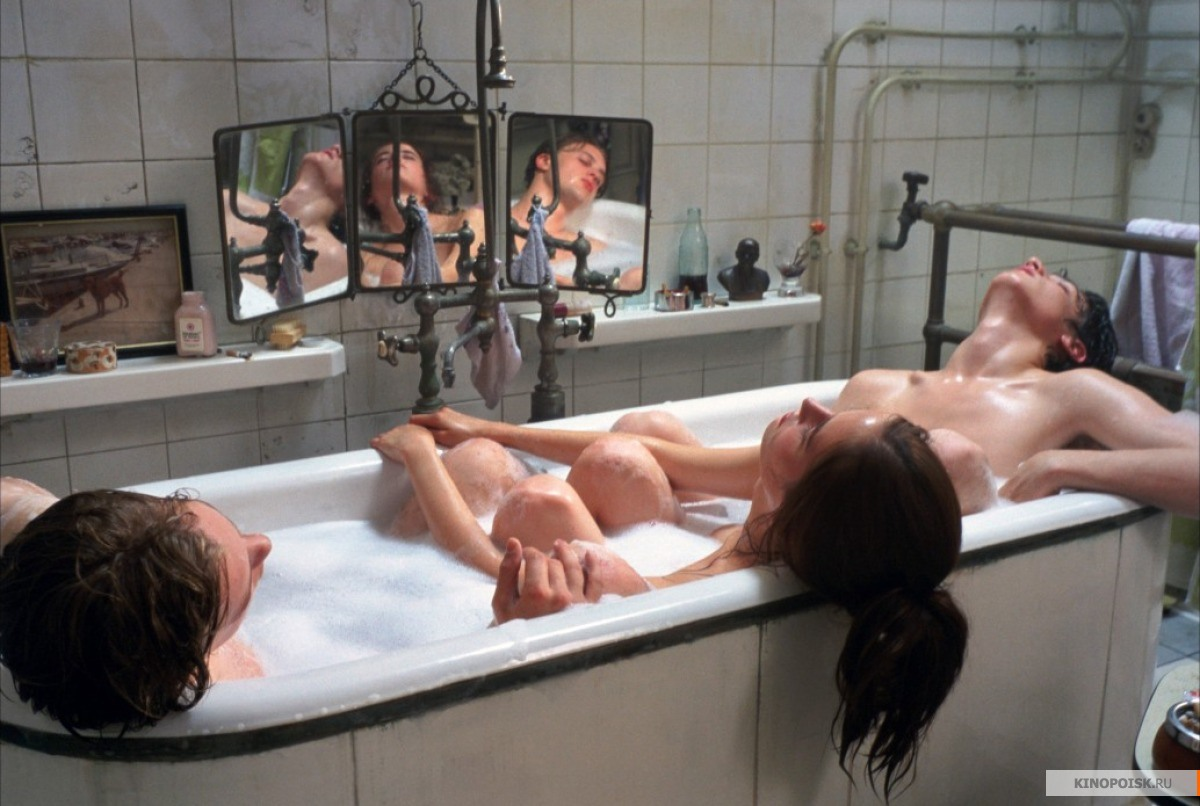 Секс русских девочек втроем 10 фотография