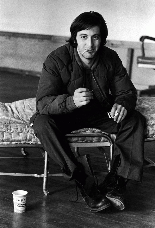 http://st.kinopoisk.ru/im/kadr/4/9/8/kinopoisk.ru-Al-Pacino-498019.jpg
