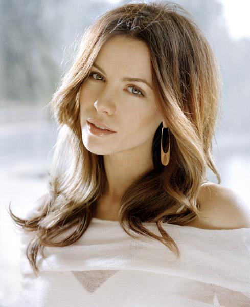 http://st.kinopoisk.ru/im/kadr/5/9/5/kinopoisk.ru-Kate-Beckinsale-595538.jpg