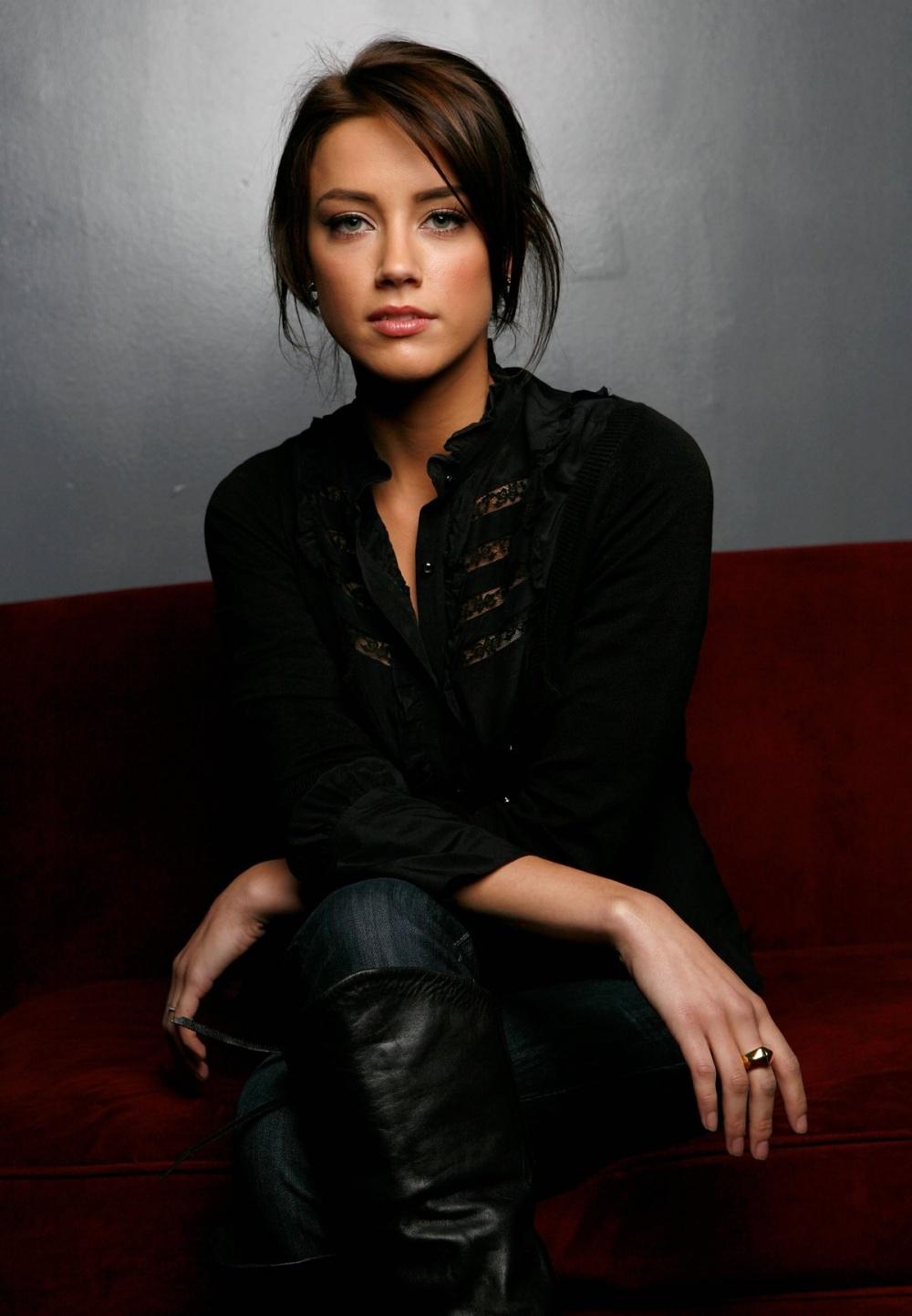 Актрисы, которые нам нравятся Kinopoisk.ru-Amber-Heard-891803