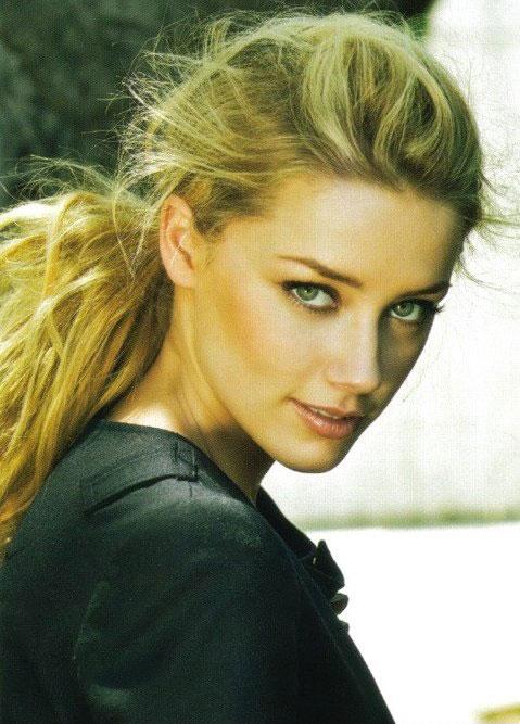 Актрисы, которые нам нравятся Kinopoisk.ru-Amber-Heard-986971