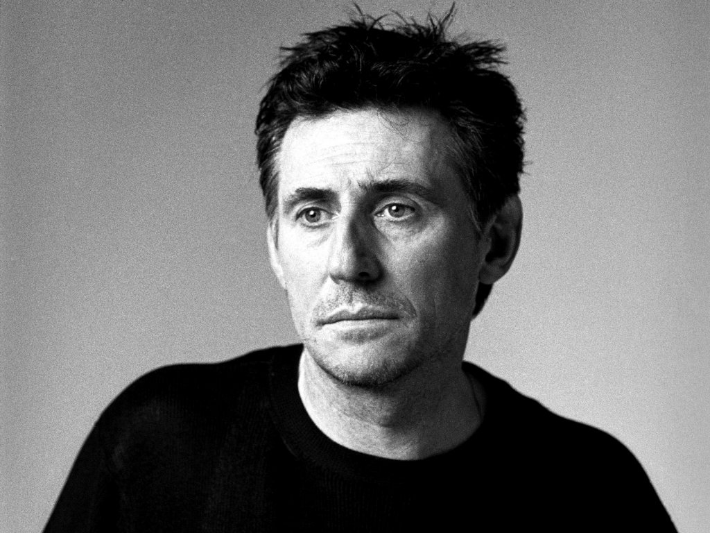 Gabriel Byrne - Wallpaper Actress