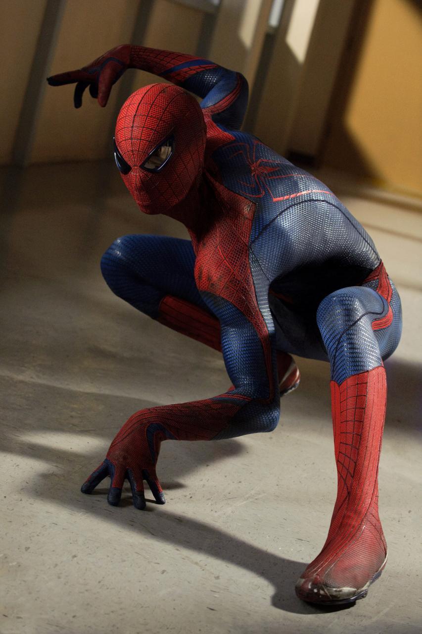 http://st.kinopoisk.ru/im/kadr/1/6/4/kinopoisk.ru-Amazing-Spider-Man_2C-The-1645581.jpg